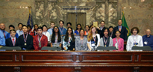 Redmond Middle School Quest class at the state capitol