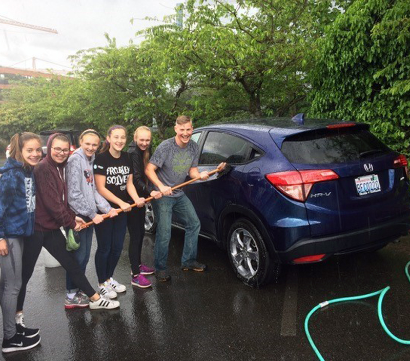 Remember me: Kirkland Middle School Builder's Club holds car wash to raise money for Legacy Project