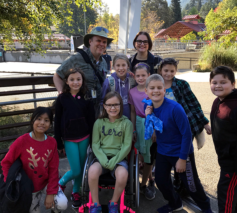 Dickinson 4th grade students at the Issaquah Salmon Hatchery
