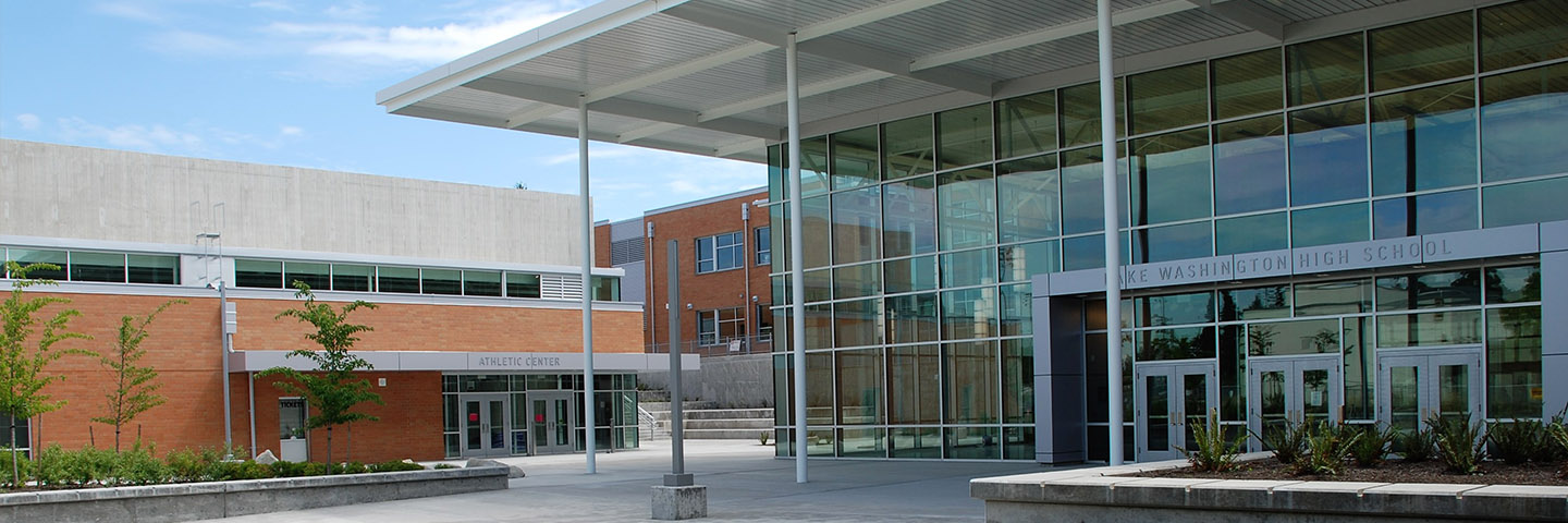 Front of Lake Washington High School on a clear and sunny day